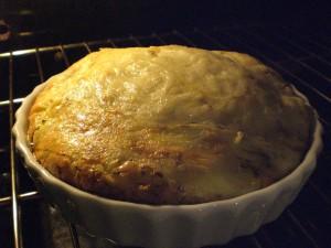 A omelete cresce depois de pronta, fica quase um souflée