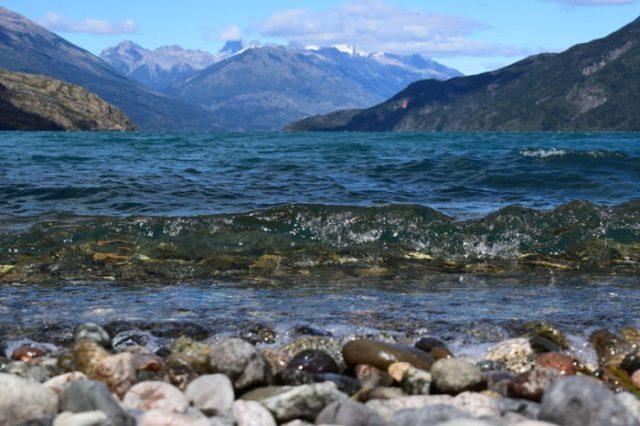 Lago Puelo en Chubut, una de las 3 provincias patagónicas unidas.