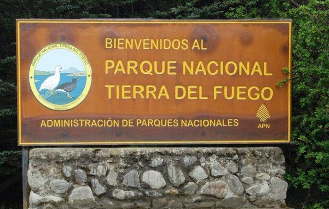 Cartel de ingreso al Parque Nacional Tierra del Fuego