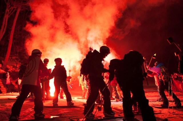 show con fuego en el Glaciar martial