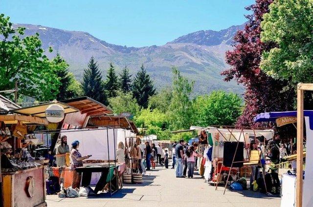 La Feria de El Bolsón en primavera