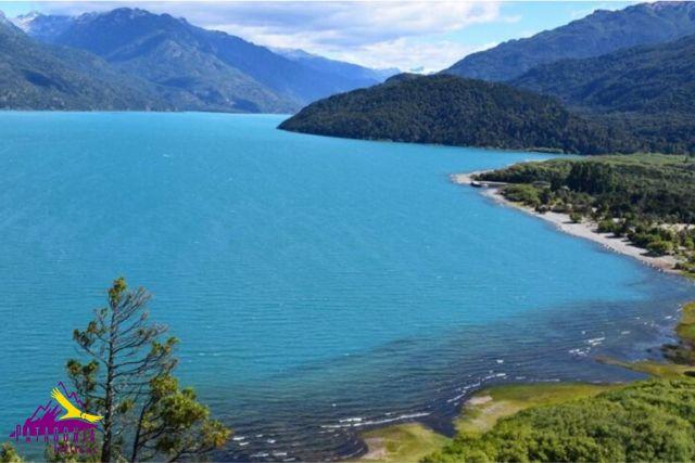 Lago Puelo, uno de los Parques Nacionales que cumple años.