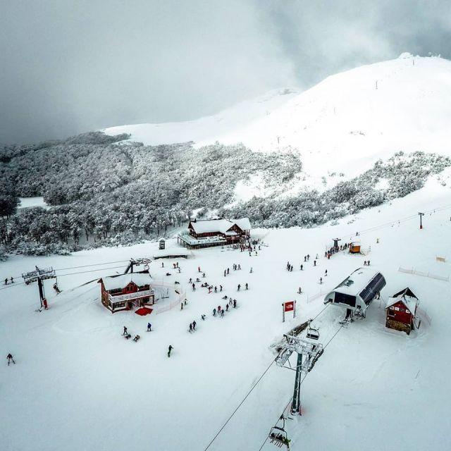 Chapelco, el mejor centro de esquí del país visto desde arriba.