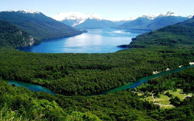 Lago Futalaufquen, en el Parque Nacional Los Alerces, Chubut.