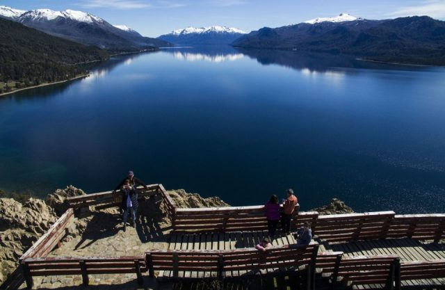 Mirador al lago Traful.