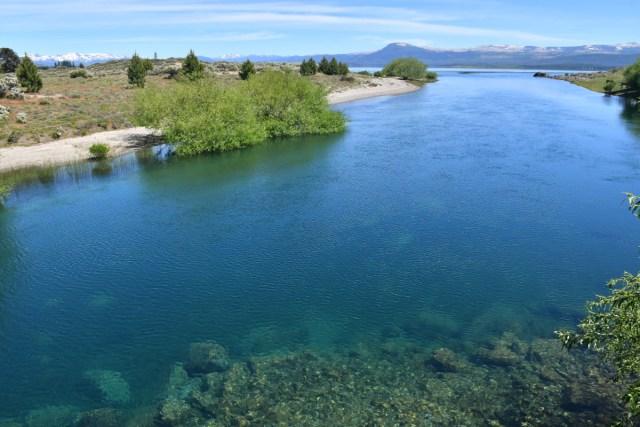 Lago en Villa Pehuenia, una de las 7 razones para visitar la localidad.