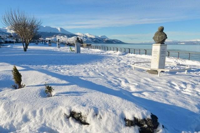 Ushuaia cubierta por la mayor nevada del año.