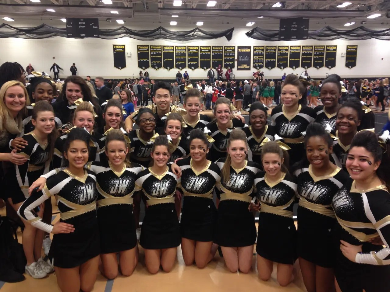 2014 2015 Jwhs Varsity Cheerleaders Headed To State Competition