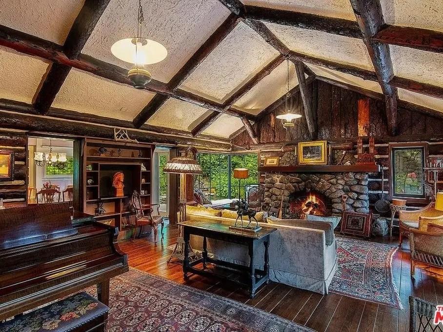 Rustic Santa Monica Log Cabin Will Make You Feel Warm & Cozy-3
