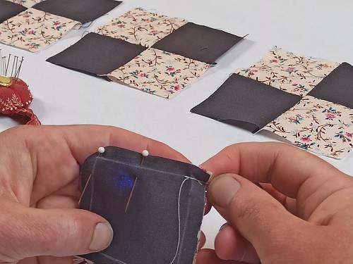 démarrer la couture d'un bloc de patchwork