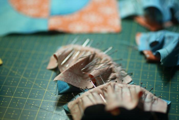épingler le bloc avec courbes au patchwork