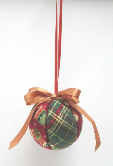 Fabric Bauble by Allison Reid
