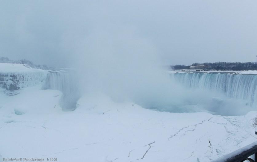 Horseshoe Falls and ice damn