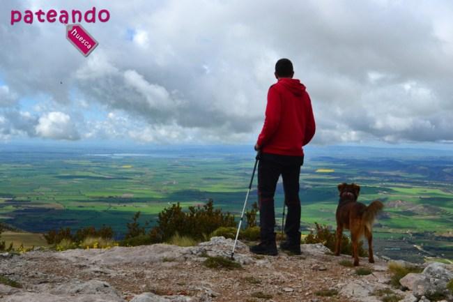 Vistas a la Hoya de Huesca desde la ermita Virgen de la Peña