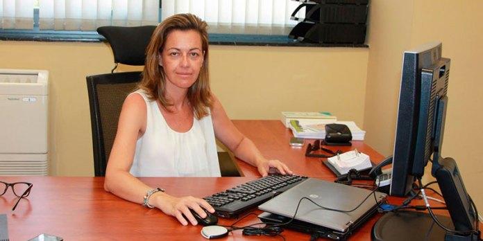 La Teniente-Alcalde de Infraestructuras, Núria Campos en su despacho en el Ayuntamiento de Paterna