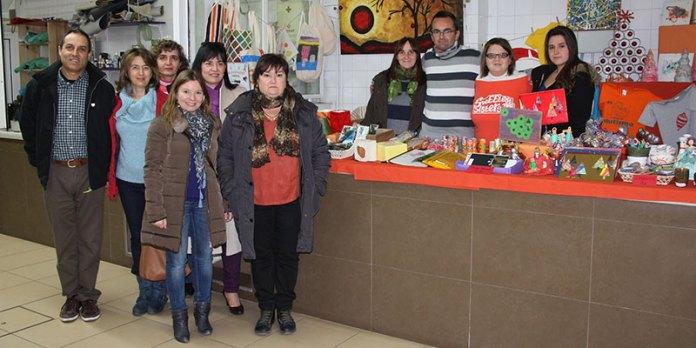La Concejala Eva Pérez durante su visita al Mercado