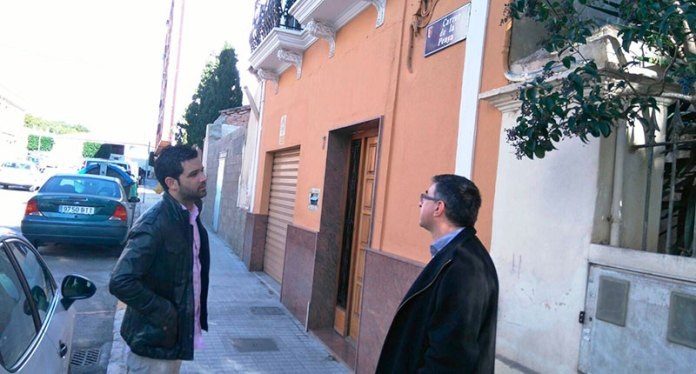 El alcalde de Paterna, Juan Antonio Sagredo, en la calle de La Penya