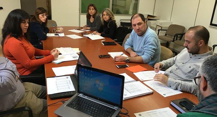 La oposición durante la reunión sobre los presupuestos
