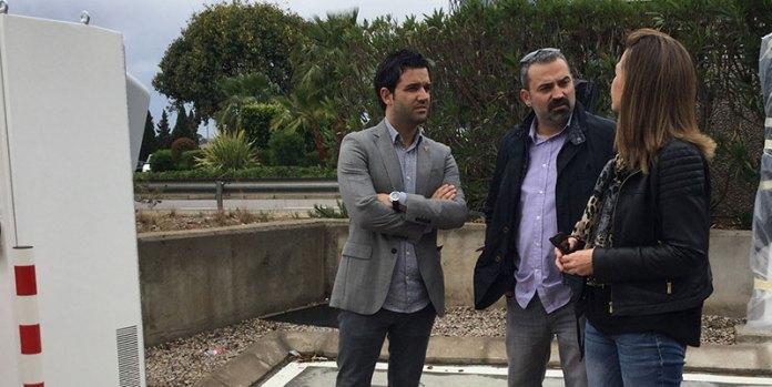 El alcalde visita las instalaciones de Tesla en Paterna