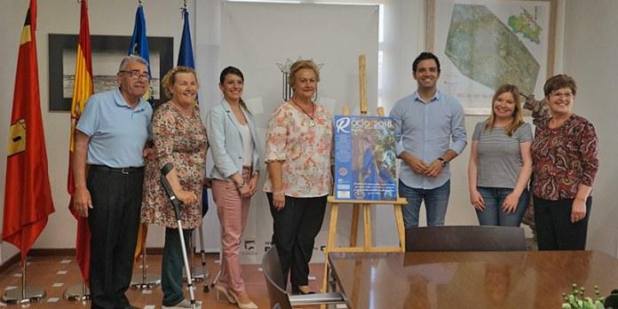Instante de la presentación del cartel de la Romería del Rocío