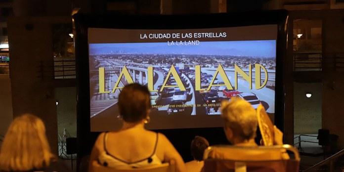 Imagen de la primera proyección del cine de verano