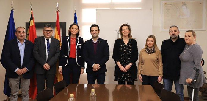 Miembros del ejecutivo socialista junto a la Ministra de Industria, Comercio y Turismo, Reyes Maroto