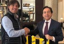 Diego Ramón y Salvador Arenere tras la firma del convenio