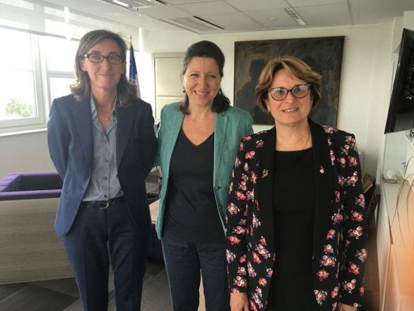 Guillemette Leneveu, Agnès Buzyn et Marie-Andrée Blanc (© UNAF)
