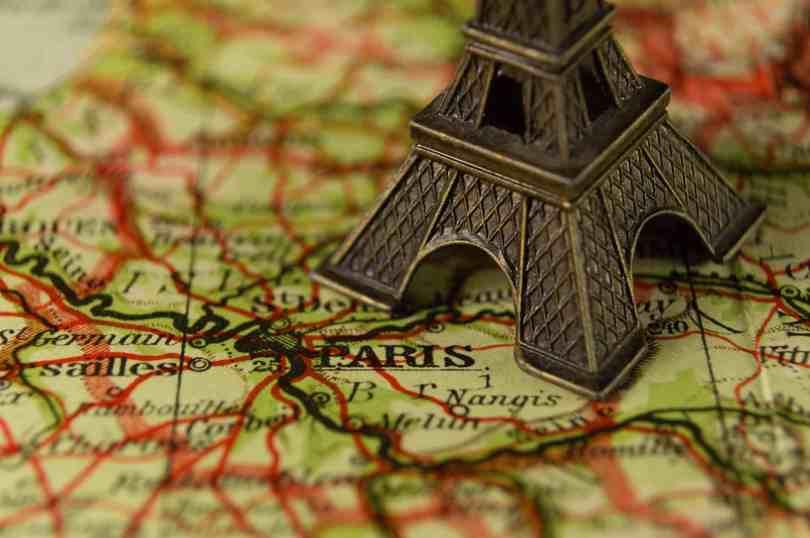 Imagem da Torre Eiffel: como chegar no outlet perto da Disney Paris