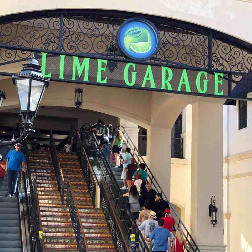 Foto do Lime Garage, um dos estacionamentos gratuitos do Disney Springs