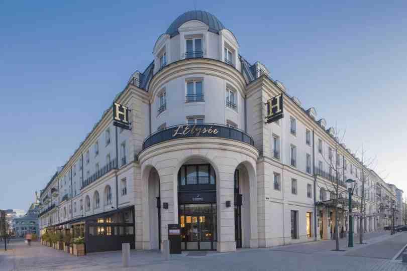 Foto da fachada do L'Elysee Val d'Europe, o hotel com os melhores quartos