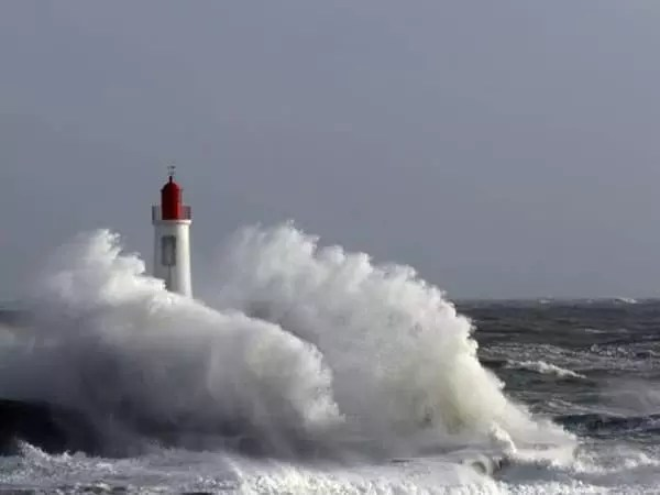 phare tempete