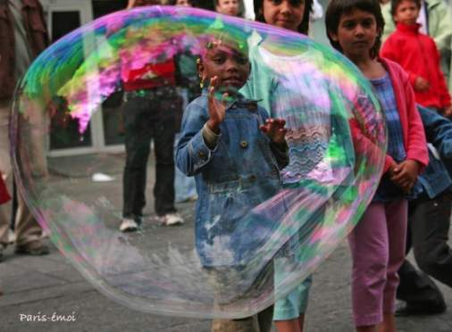 enfant et bulle