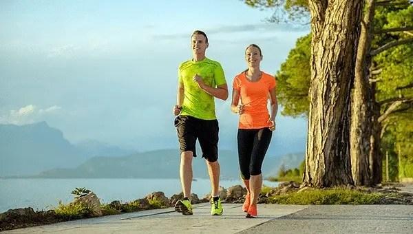 La marche rapide, un bon exercice pour le cerveau