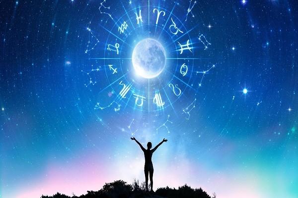 Astrologie Intuitive – Prévisions d'Octobre 2021 par Tanaaz