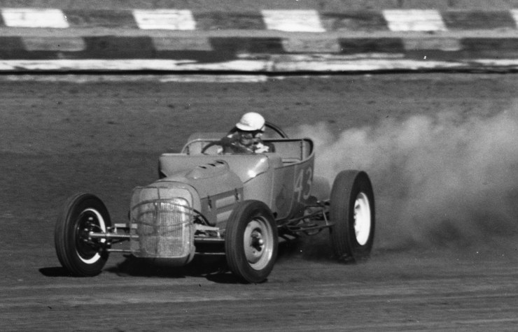 Dirt track racing Spalding Bros '22 Chevy T