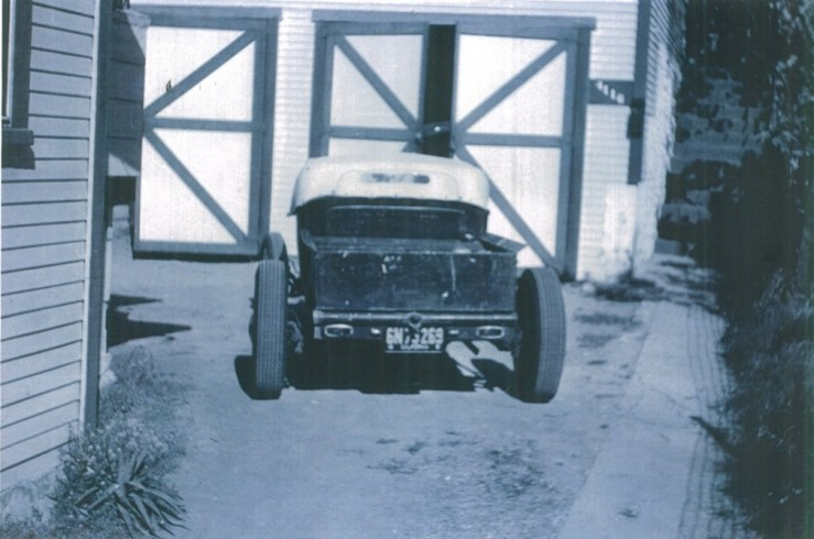 "Maurice ""Topper"" Chasse chopped '27 T roadster pickup on an A frame"