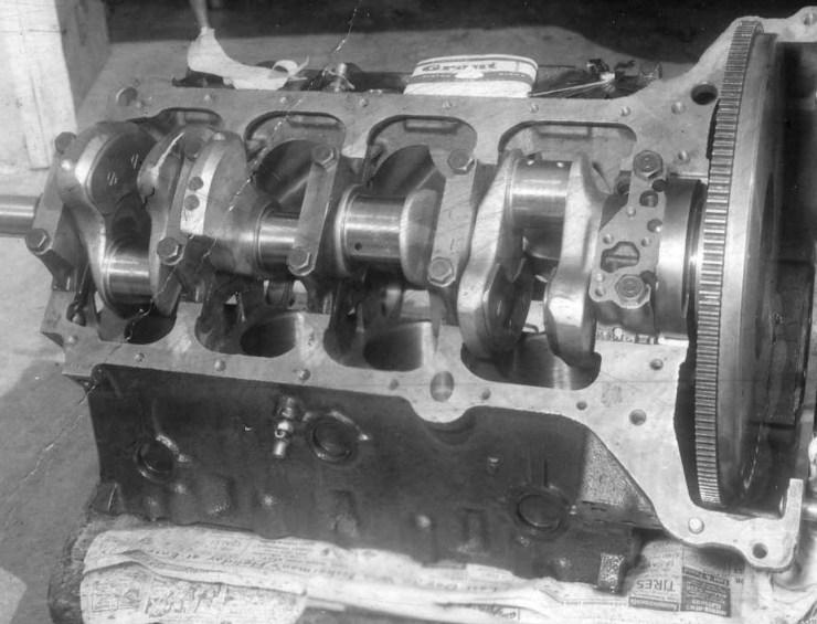 Gene Adams' '50 Olds fastback engine