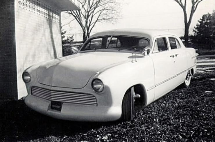 Charlie Smith's '51 Ford Fordor