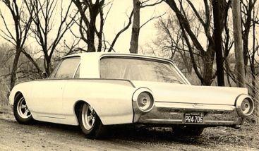Charlie Smith's '62 Thunderbird