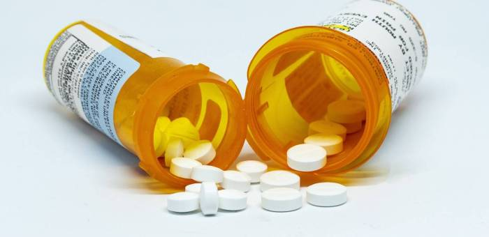 Is My Loved One Addicted to Prescription Drugs?: The Top Signs of Prescription Drug Abuse