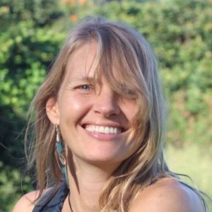 Katja_Hofmann_Azul_Conscious_Movement_teacher