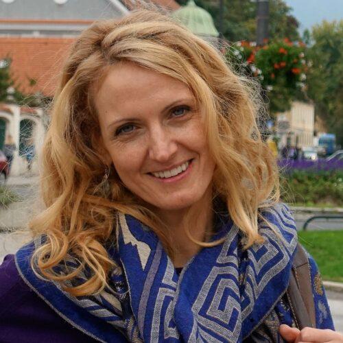Karina Heiligers Azul profesora de baile consciente