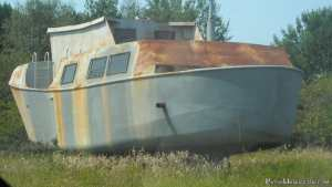 A derelict boat down the road from the Ontonagon marina.