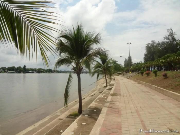 The river walk of Kamphaeng Phet.