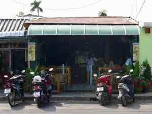 One-O-One Pizzeria - good for info, food or renting motorcycles.