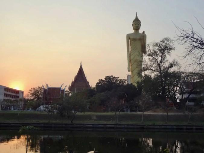 The standing Buddha of Wat Burapapiram