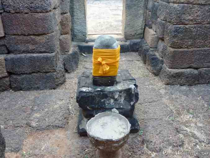 The yoni and linga, traditional symbols of Shiva in Khmer temples.
