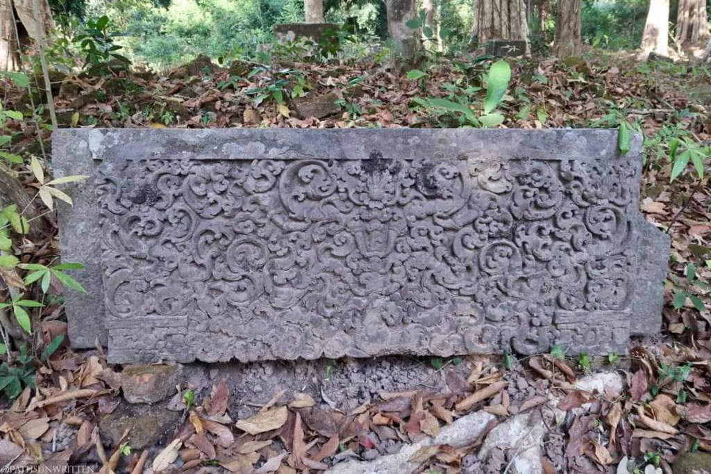 A carved lintel remaining at Vat Tomo.