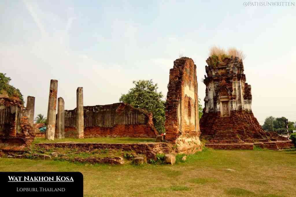 The first two monuments of Wat Nakhon Kosa.